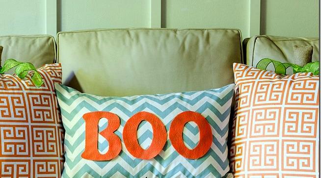 halloween-decorations-living-room-7_thumb